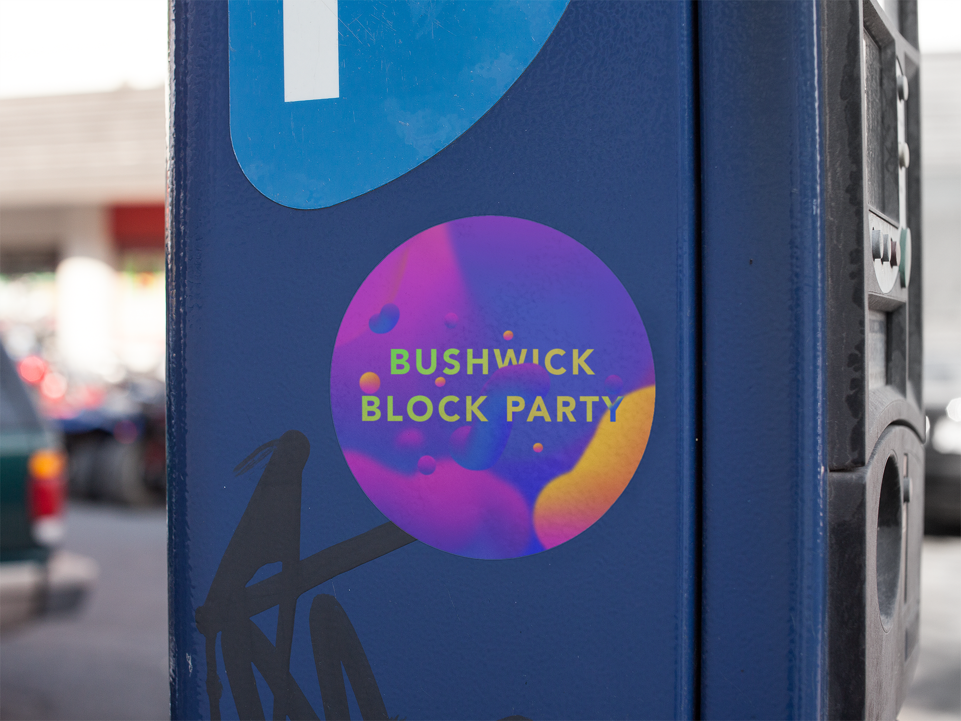round-sticker-on-a-blue-parking-meter-mockup-a14341